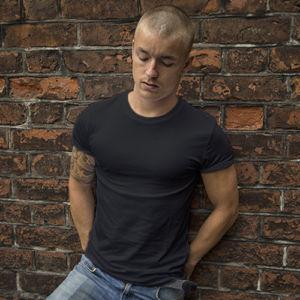 Мужская футболка стрейч черная фото