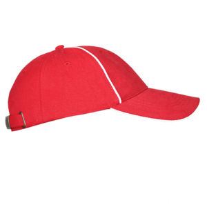 Бейсболка велюровая с оконтовкой красная фото